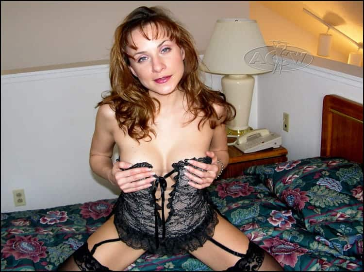 Cassidy Collins - www.apartmentwrestlers.com