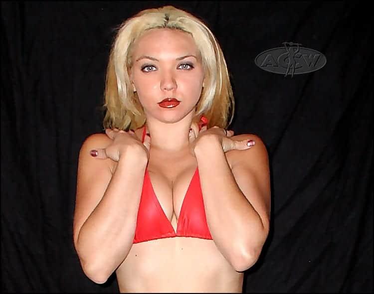 Gia Primo Torelli - www.apartmentwrestlers.com