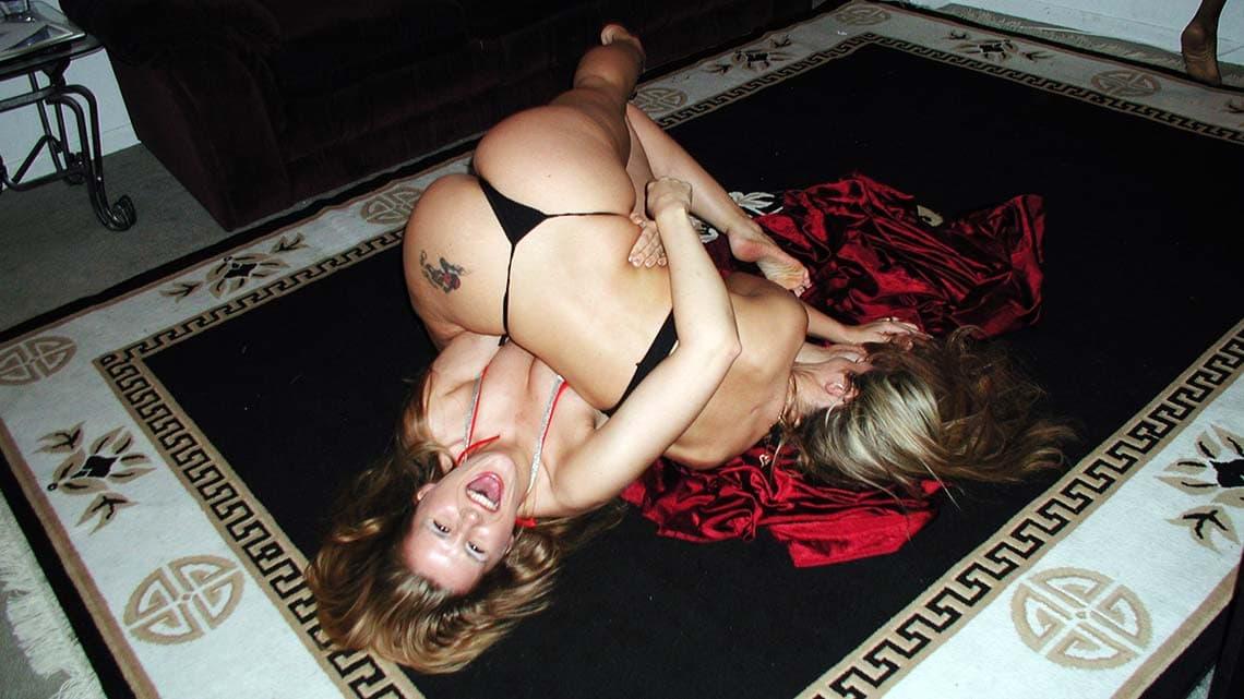 Barbie Mayfield vs. Paulina Persenko - apartmentwrestlers.com