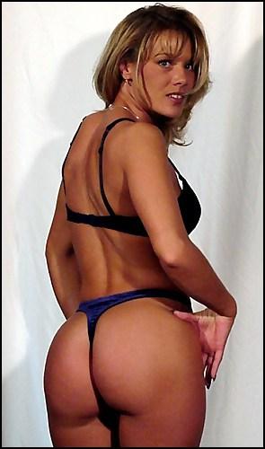 Diane Hunter - www.apartmentwrestlers.com