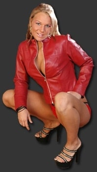Madison Payne - www.apartmentwrestlers.com