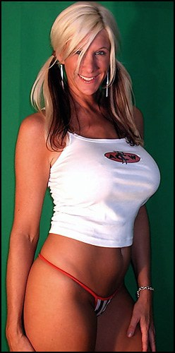 Taylor Wilson - www.apartmentwrestlers.com
